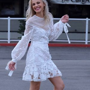 Gorgeous Keepsake Lace Balloon Sleeves Dress